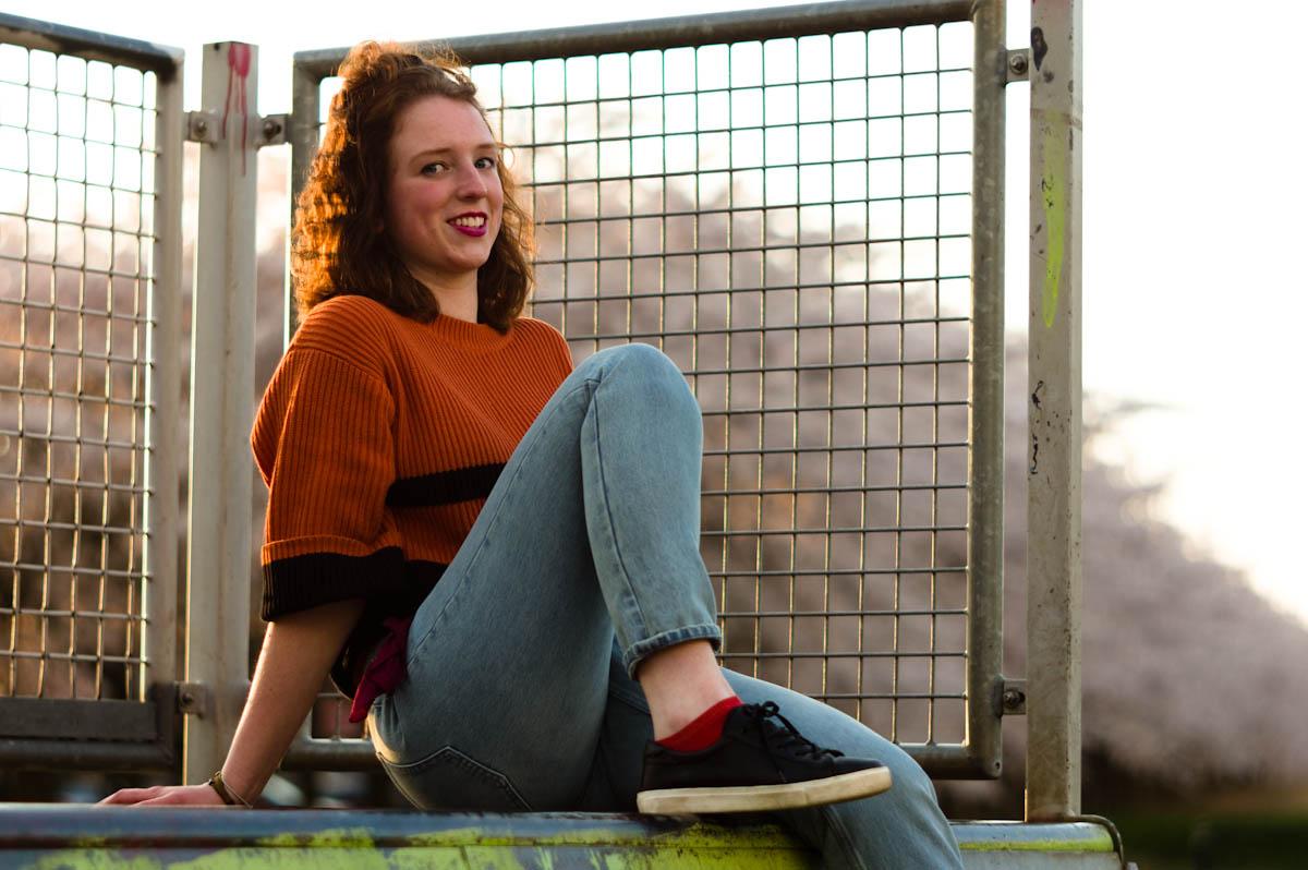 beauty brunette marijke on a halfpipe skater girl