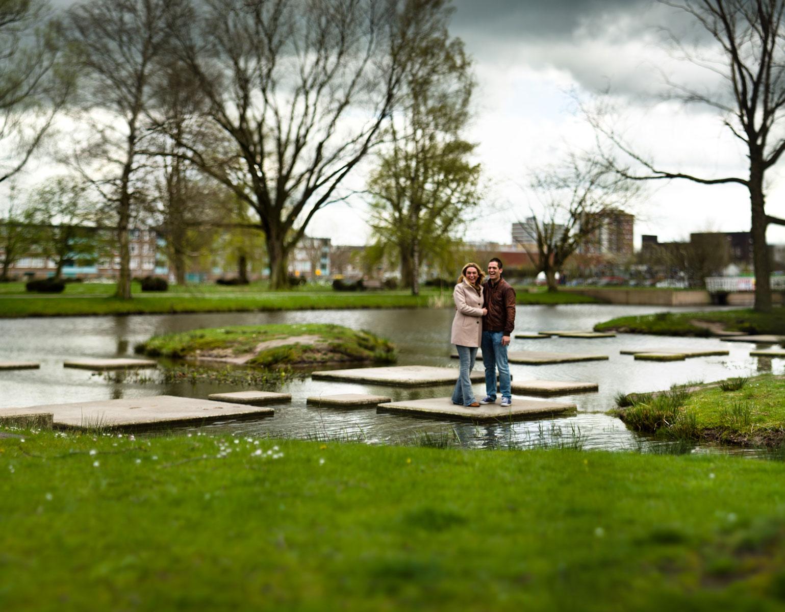 koppel fotoshoot door Jeffrey Wakanno in het thalenpark te drachten