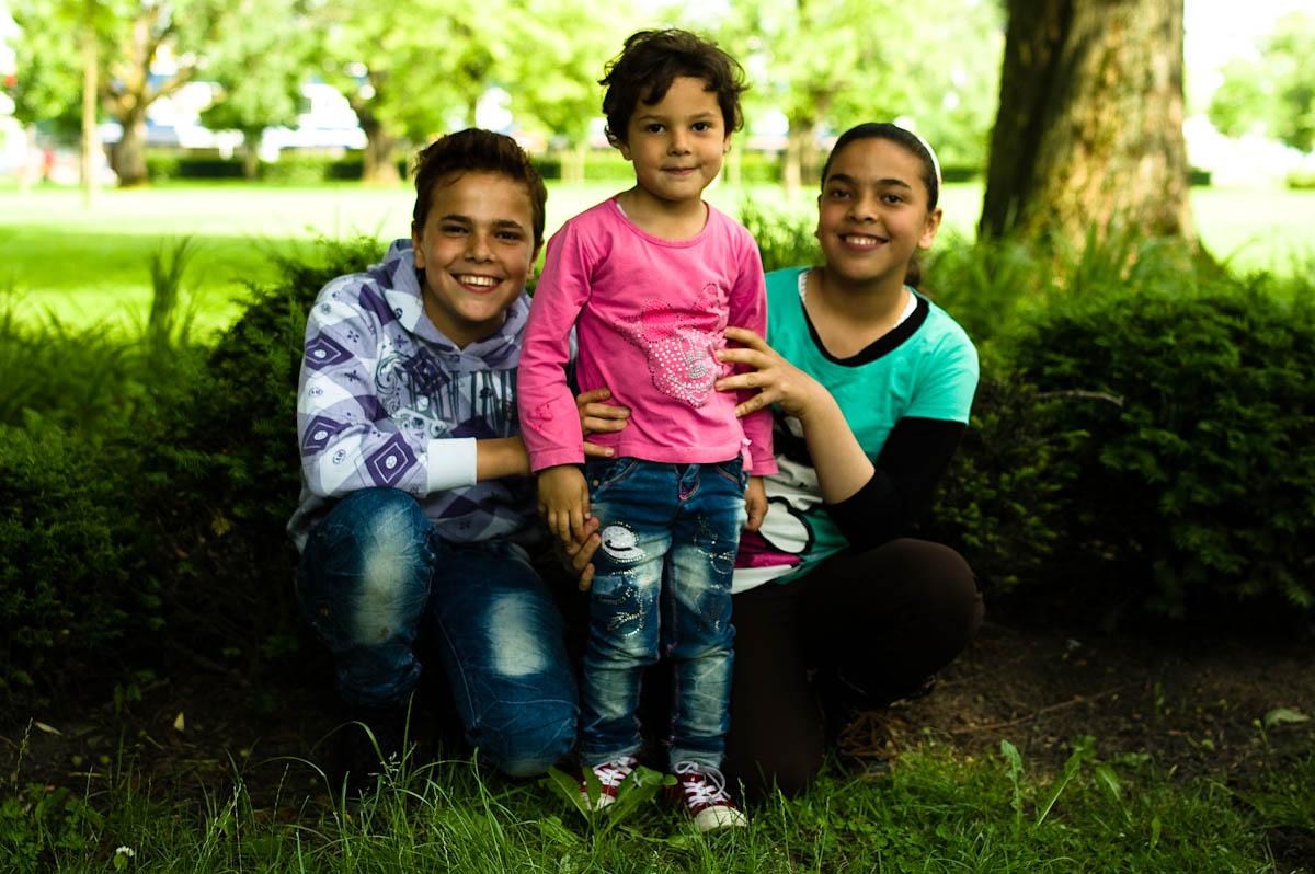 De grote broer met zijn twee zusjes!